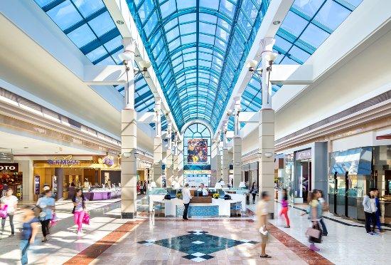 cf-richmond-centre-inside-mall
